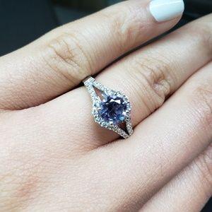 Jewelry - 🔥24 Hour Flash Sale🔥14k Alexandrite Diamond Ring